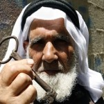 Palestinian refugee with the key to his stolen home